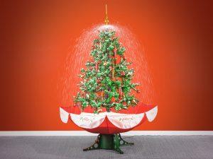 Juletre med fallende snø Image