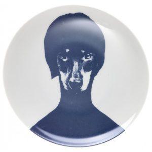 Lisa Bengtsson Porselenstallerken med hund Image